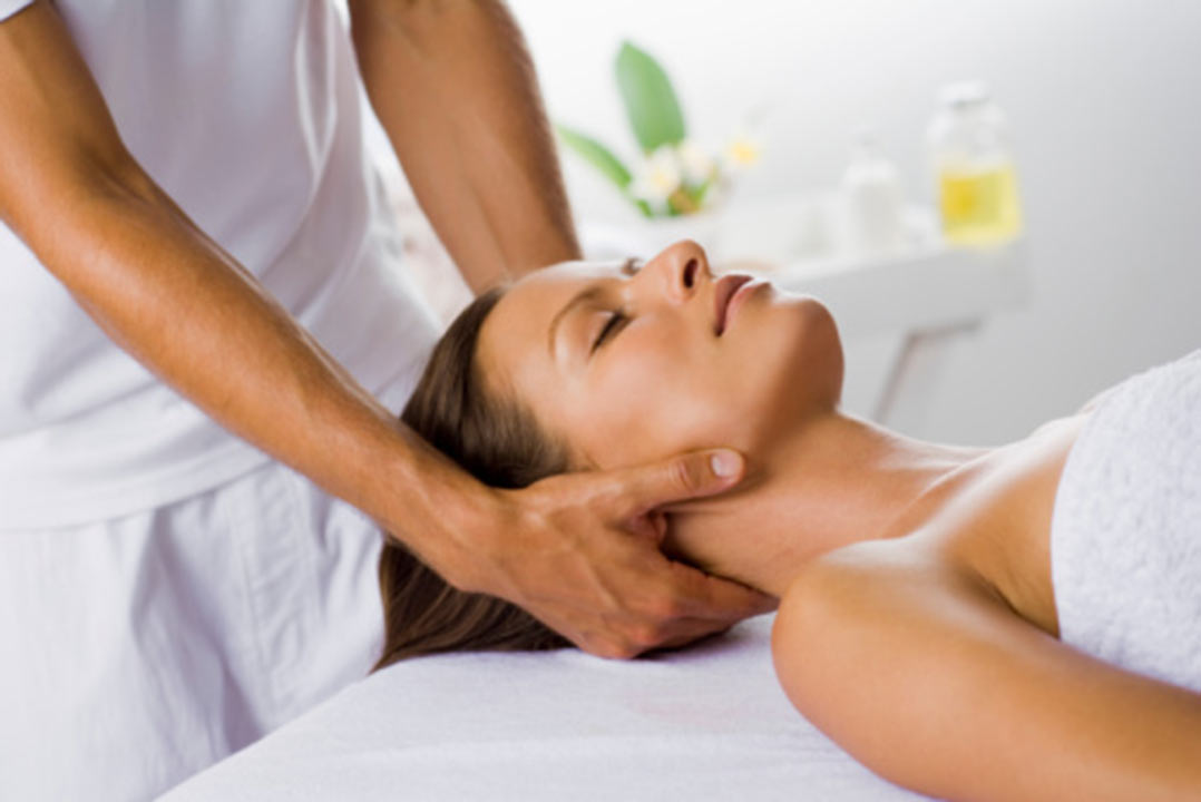 massage therapy swedish female